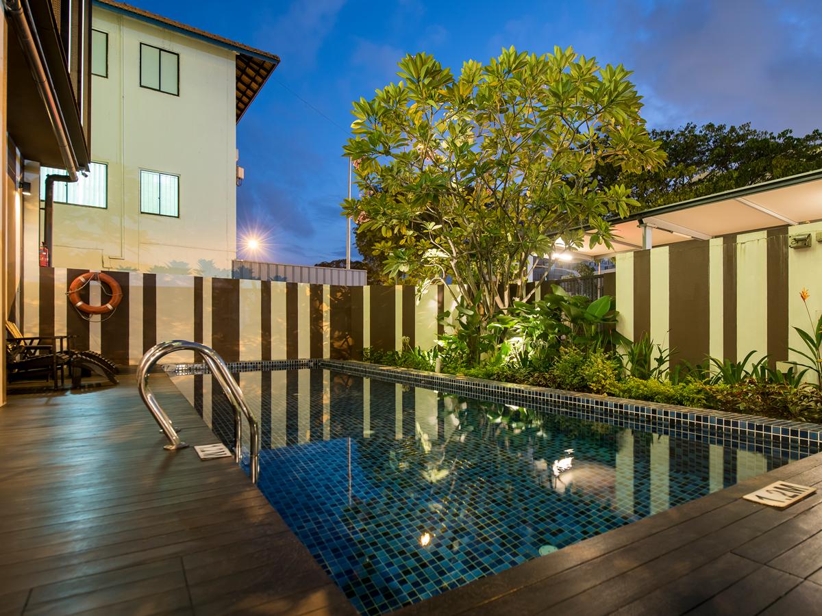 Facility_01_Avant_Residences_Pool.jpg